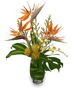 TRES CHIC FLOWERS Vase Arrangement in Batson, TX | HOMETOWN FLORIST & GIFTS